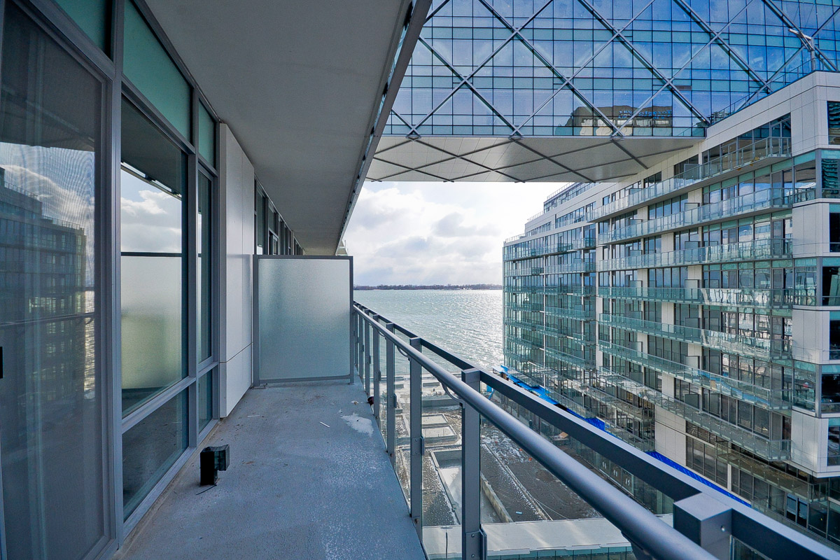 29 Queens quay balcony